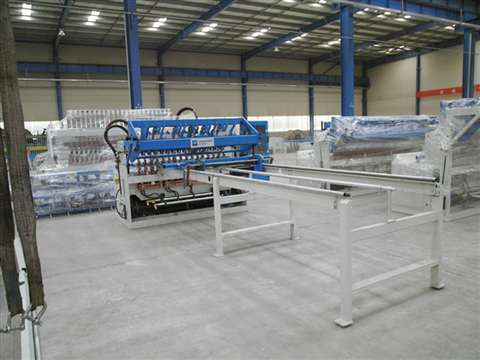 Road fence mesh welding production line